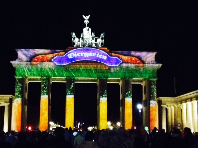 BrandenburgerTor_festival_of_lights