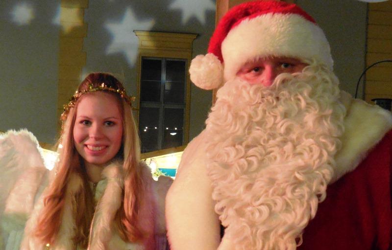 Weihnachtsmann und Weihnachtsengel Schloss Liebenberg