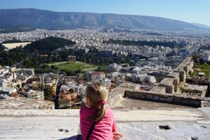 Athen_mit_Kind_Blick von der Akropolis
