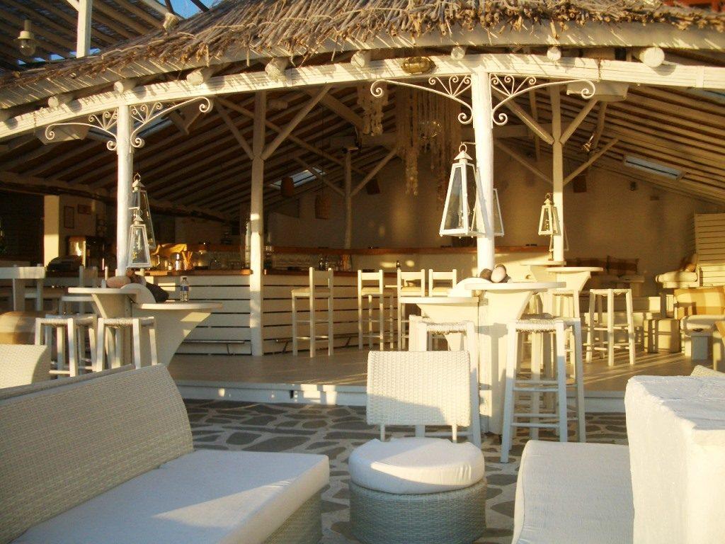 Inselhüpfen_Kykladen_Naxos_Strandbar