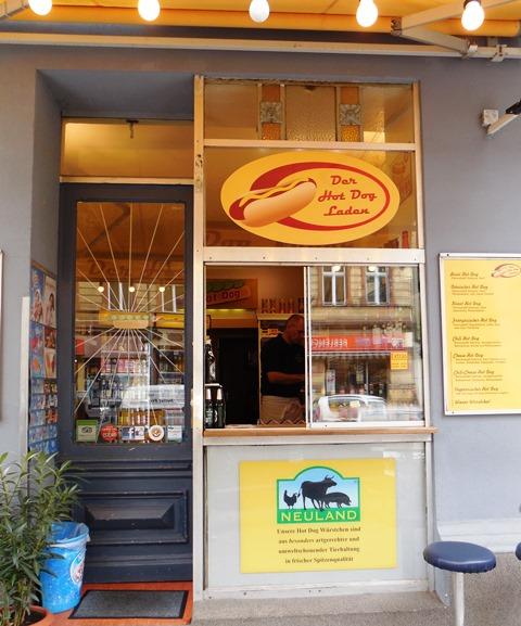 Kulinarische Stadtführung Berlin-Schöneberg, der Hot Dog-Laden