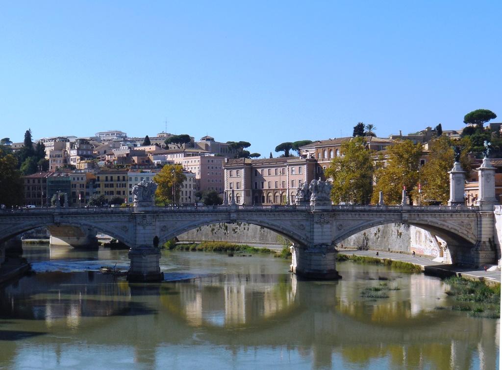 Rom_Brücke über den Tiber