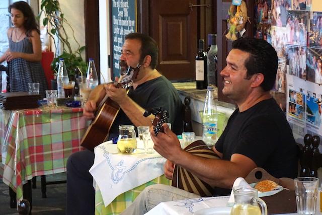 Taverne Kiraso Kitchen Skopelos Stadt