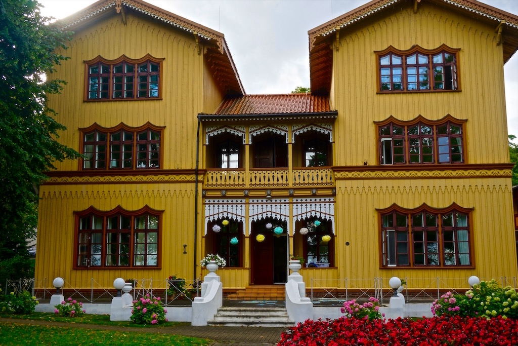 Holzhaus in Juodkrante, Kurische Nehrung