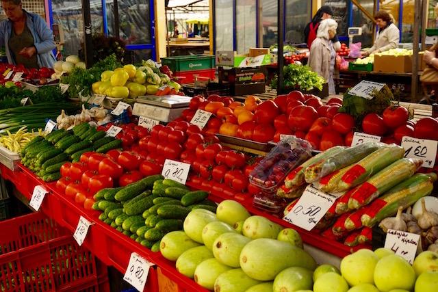 Riga, Zentralmarkt, Gemüsestand