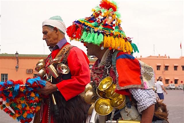 marrakesch-reisetipp-jemaa-el-fna-gaukler
