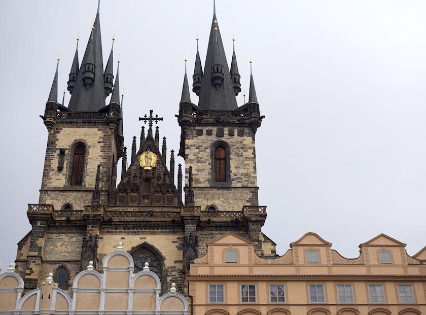 altstaedter-ring-teynkirche-prag