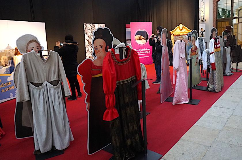 Winterausstellung Drei Haselnüsse für Aschenbrödel, Kostümme