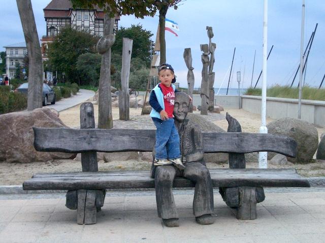Kühlungsborn Promenade Holzskulptur