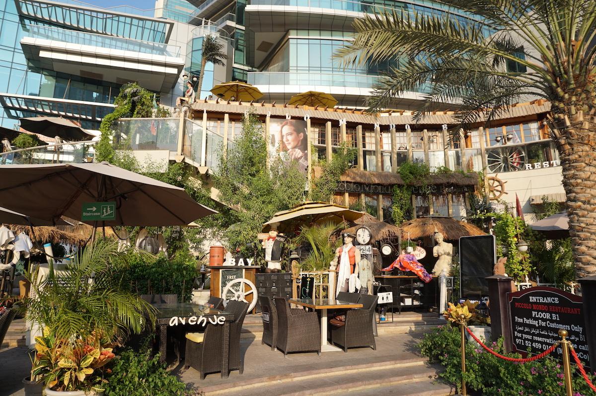 Dubai Marina, Cafe am Wasser
